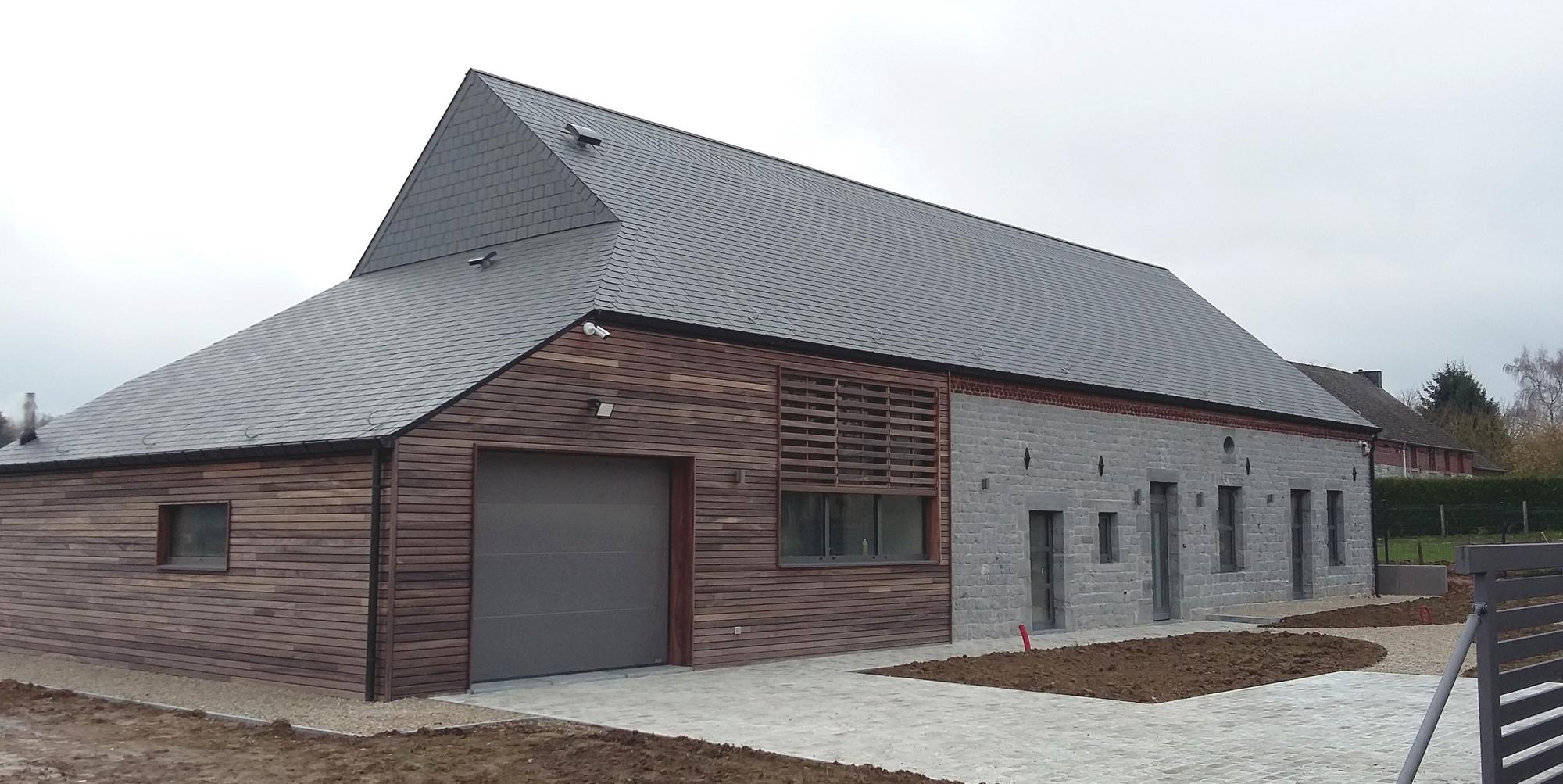 Transformation d 39 une ancienne ferme architecte d for Architecte renovation ferme