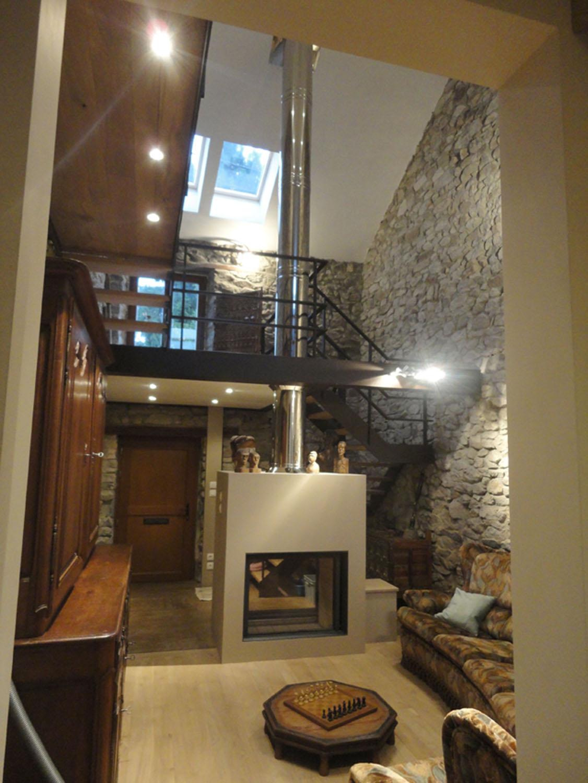 espace salon avec passerelle architecte d 39 int rieur wallonie. Black Bedroom Furniture Sets. Home Design Ideas